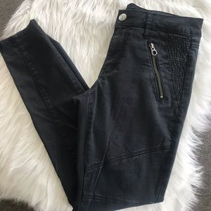 American Eagle black pants with stitched details